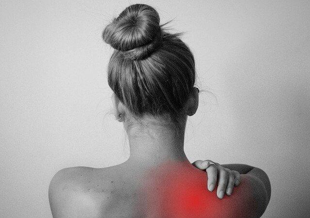 Schulter schmerz angespannt